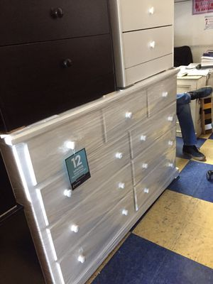 9 drawers chests dresser any colors new solid wood for Sale in Cerritos, CA