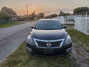 Nissan altima 2014 for Sale in Carol City, FL