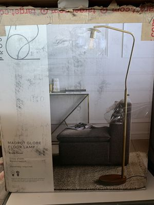 Floor lamp for Sale in Victorville, CA