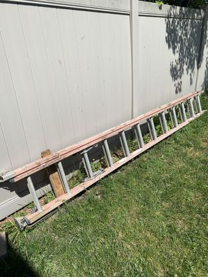 24' extension ladder for Sale in Garden City, MI