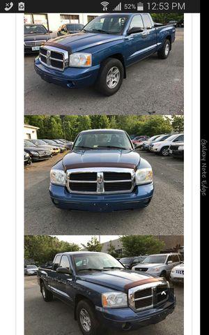 2005 Dodge Dakota SLT, Awd, clean title, low mileage for Sale in Manassas, VA