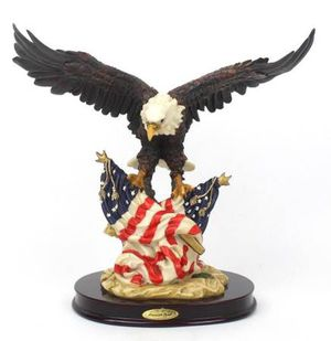 American Spirit Eagle Crosa 1996 Statue Eagle American Flags USA for Sale in New Port Richey, FL
