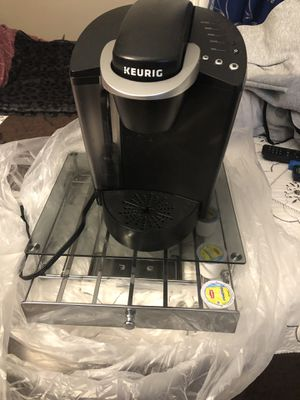 keurig with stand for Sale in Brooklyn, NY