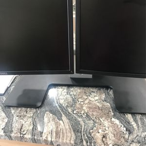 Duel Dell Monitor for Sale in Old Bridge Township, NJ