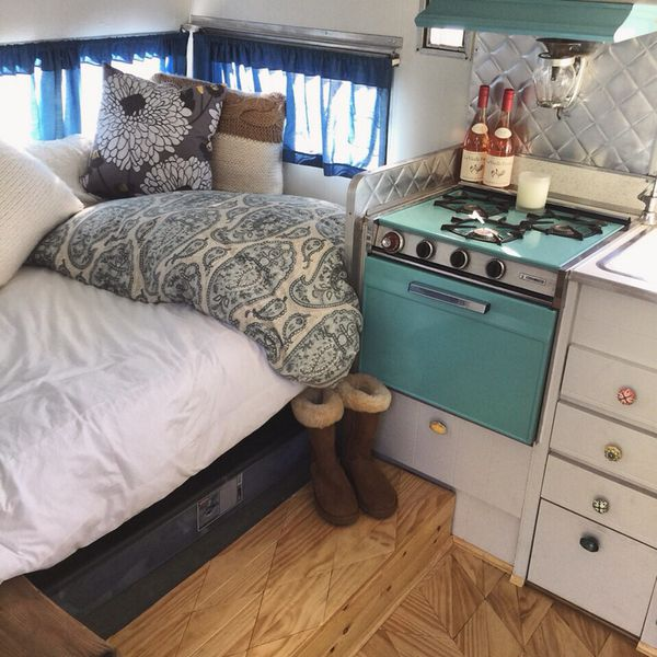 1965 Aristocrat Lo-Liner ST camper trailer