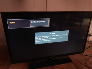 32 inch samsung tv for Sale in Cleveland, OH