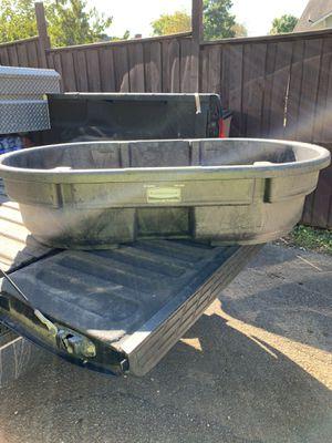 50 gallon Rubbermaid Troft for Sale in Brentwood, TN