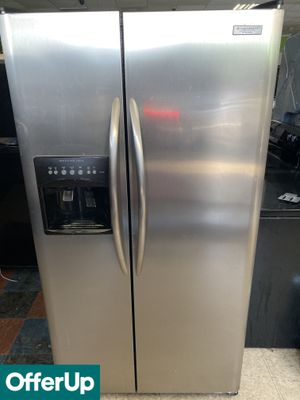 DELIVERY AVAILABLE! Frigidaire Refrigerator Fridge Side by Side Stainless Steel #800 for Sale in Orlando, FL