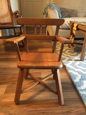 """Vintage kids chair """"21.5"""" inches for Sale in Ashburn, VA"""
