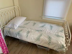 Novogratz color pop twin bed magnolia inspired for Sale in Long Beach, CA