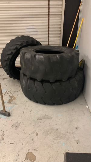 Big tires free for Sale in Riverside, CA