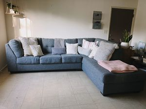 Living Spaces Arrowmask Sectional Sleeper with a Chaise Lounge for Sale in Monrovia, CA