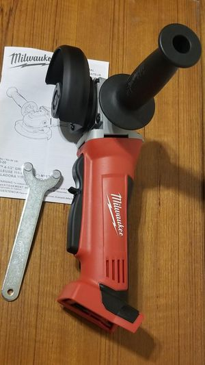 Milwaukee m18 esmeriladora inalámbrica NUEVA!!! Milwaukee m18 grinder NEW!!! for Sale in Chicago, IL
