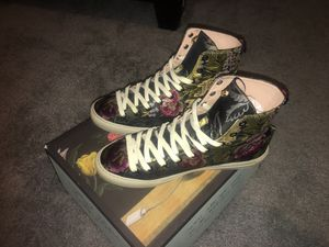 Gucci women sneakers for Sale in Chicago, IL