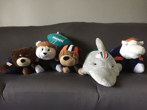 Set of 5 NFL team pillow pets plus stuffed football for Sale in Pickerington, OH