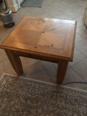 End table $15 for Sale in Portland, OR