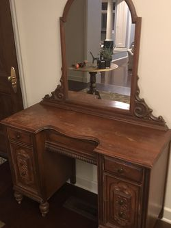 Antique 40's Vanity w Mirror & 6 Drawers for Sale in Portland,  OR