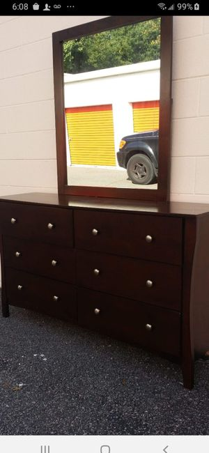 BEAUTIFUL DARK BROWN DRESSER WITH 6 BIG DRAWERS WITH BIG MIRROR ALL DRAWERS SLIDING SMOOTHLY EXCELLENT CONDITION for Sale in Fairfax, VA