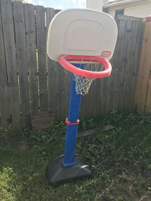 Little tikes basketball hoop for Sale in Elk Grove Village, IL