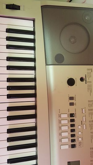 Yamaha ypg-235 keyboard with sustain peddle for Sale in Salt Lake City, UT
