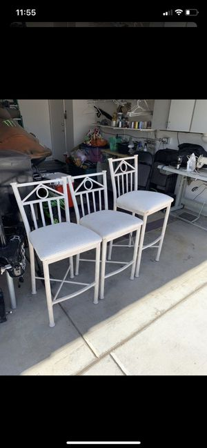 3 chairs for Sale in Las Vegas, NV