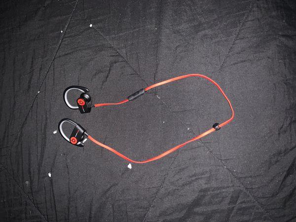 beats wireless earphones.