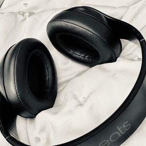 Beats Studio 3 Wireless Headphones (Black) for Sale in Orlando, FL