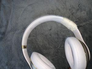 Beats studio wireless still works band broke for Sale in Chapel Hill, NC