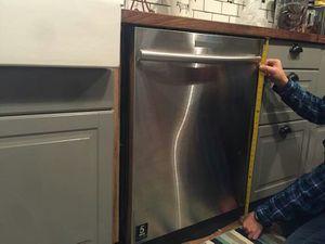 Kitchen aid dishwasher for Sale in Austin, TX