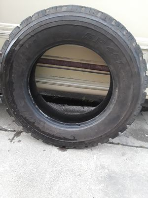 2 19.5 tires for Sale in Alameda, CA