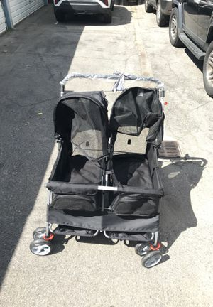 Dog dual stroller for Sale in Los Angeles, CA