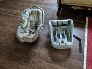 Car seat with base for Sale in Trinity, FL