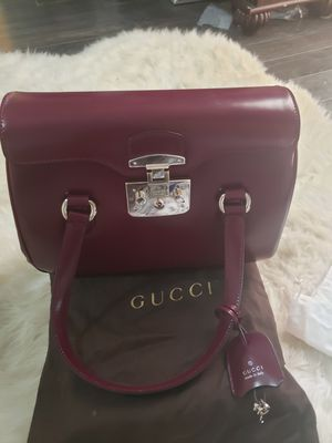 Gucci shoulder bag for Sale in Woodbridge, VA