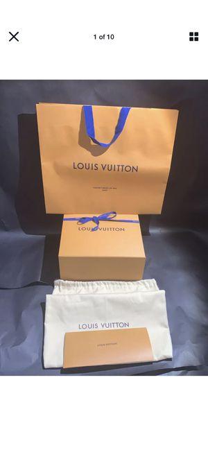 """LOUIS VUITTON Hat Box 10X10.2X5"""" Large Dust Bag,Ribbon,Envelope& Paper Bag. for Sale in Bellevue, WA"""