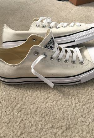 Converse chuck taylor low top size 10.5 for Sale in Ashburn, VA