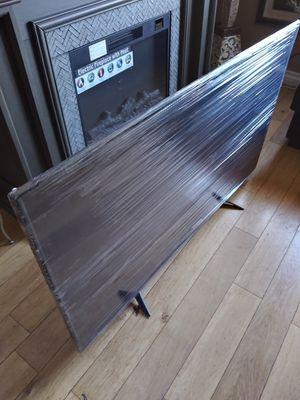 Tv toschiba de 55 inch crome cast 4k como nueba chingosisima vien delgadita vista chingona 330$ firmmmmm no negosiable for Sale in Los Angeles, CA