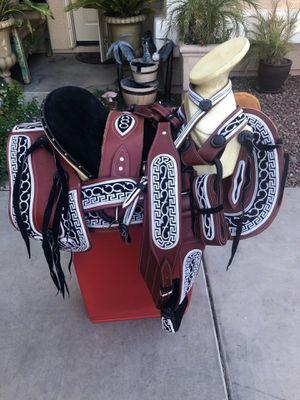 Montura Charra navajeada fuste 16🐎 for Sale in Laveen Village, AZ