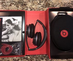 Beats by Dre Solo Headphones for Sale in Bloomington, IL