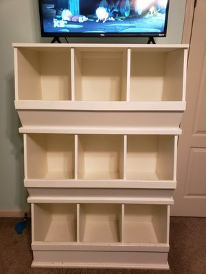 White cubby hole dresser shelf for Sale in Chelsea, AL