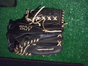 Shut out softball glove for Sale in Richton Park, IL