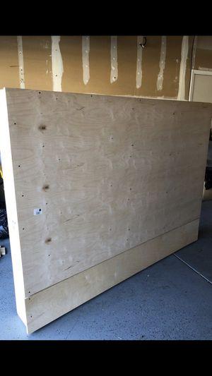 Wooden Queen sz bed frame FREE for Sale in Elk Grove, CA