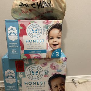 Diapers for Sale in Issaquah, WA