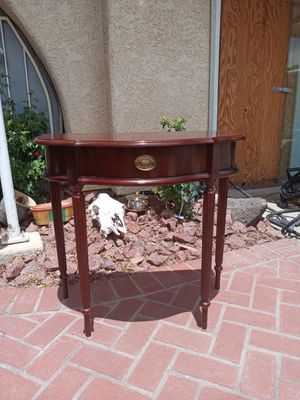 Half round accent table. for Sale in Henderson, NV