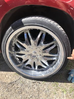 22in chrome rims for Sale in Tacoma, WA