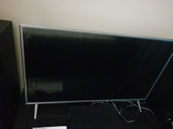 LG smart 43 inch TV with bluray with surround sound