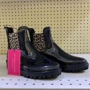 Middleton Rain Boots Ankle Size 7,8,9,10 for Sale in Mesquite, TX