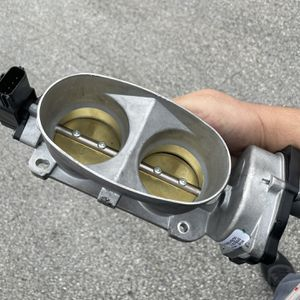2007 FORD MUSTANG SHELBY GT500 OEM THROTTLE BODY for Sale in Hollywood, FL