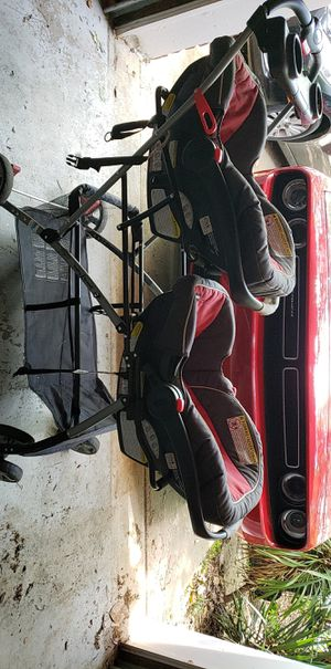 Baby Trend double stroller + two car bases for Sale in Huntsville, AL