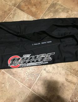 The house board shop snowboard/ski bag for Sale in Raleigh,  NC