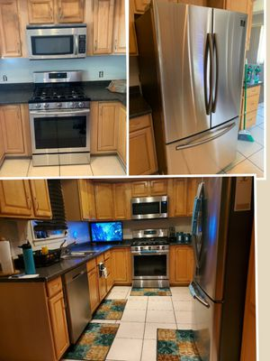 Samsung Kitchen suit all four 2 year warranty for Sale in Fontana, CA